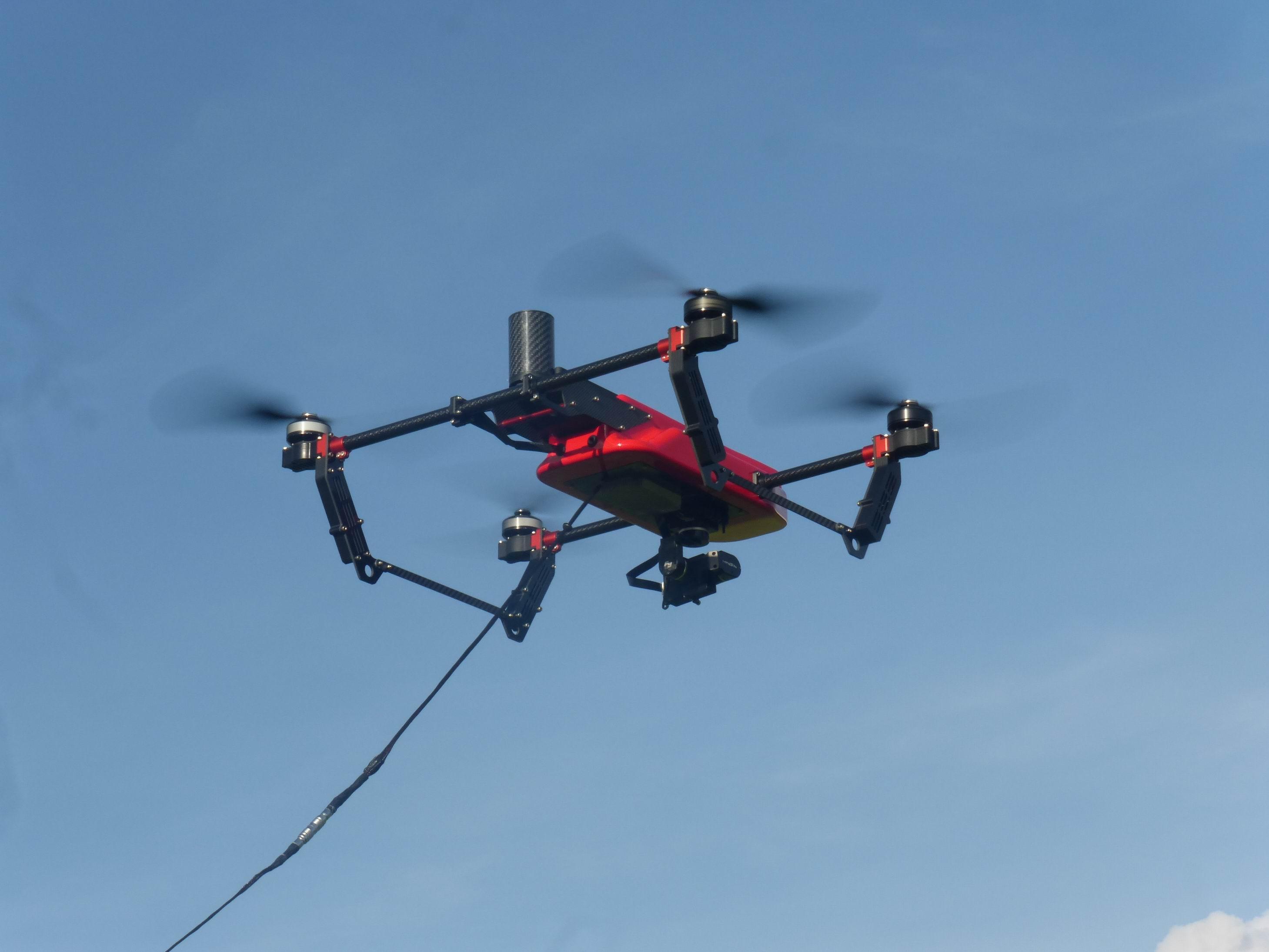 双捷科技发布国内首款成熟系留无人机,可24小时持续作业